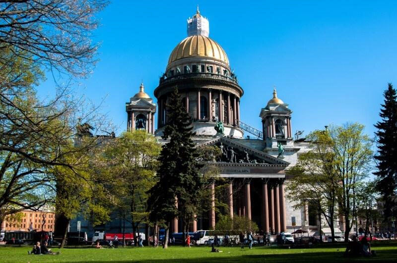 Īzaka katedrāle un kolonāde, Sanktpēterburga